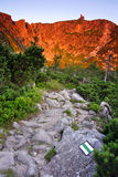 βουνά πρωινού ηλιόλουστ&alph Στοκ Εικόνα