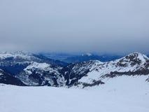 Βουνά στις γαλλικές Άλπεις στοκ φωτογραφία με δικαίωμα ελεύθερης χρήσης