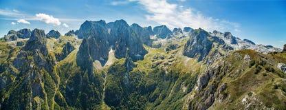 Βουνά στο εθνικό πάρκο Prokletije στο Μαυροβούνιο στοκ φωτογραφίες με δικαίωμα ελεύθερης χρήσης