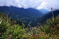 Βουνά σύννεφων άποψης Machu Picchu Στοκ Εικόνες