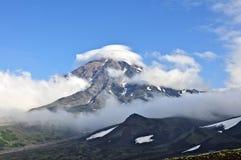 βουνά σύννεφων Στοκ Φωτογραφία