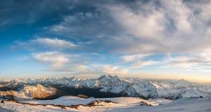 Βουνά, ταξίδι, φύση, όμορφη θέση, icefall, κορυφογραμμή στοκ φωτογραφία με δικαίωμα ελεύθερης χρήσης