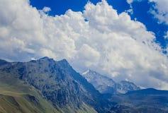 Βουνά της Καμπαρντίνος-Μπαλκαρία, βόρειος Καύκασος, Ρωσία στοκ εικόνες