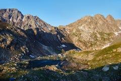 Βουνά της σειράς Arkhyz, λίμνη Καύκασου της Sofia, που αναρριχείται mou Στοκ εικόνα με δικαίωμα ελεύθερης χρήσης