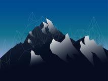 Βουνά τοπίων με τις πεταλωμένες και γεωμετρικές γραμμές Στοκ φωτογραφίες με δικαίωμα ελεύθερης χρήσης