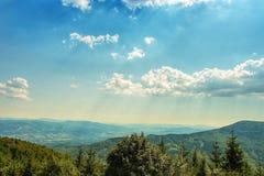 Βουνά τοπίων με τον όμορφο ουρανό Στοκ Εικόνα