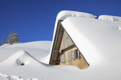 βουνά τοπίων χιονώδη Στοκ Εικόνες