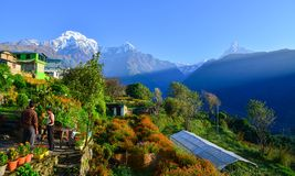Βουνά του Ιμαλαίαυ, άποψη από Ghandruk, Νεπάλ Στοκ εικόνες με δικαίωμα ελεύθερης χρήσης