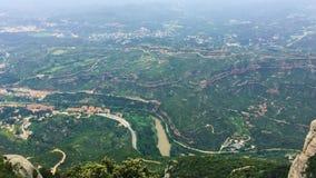 Βουνά του Μοντσερράτ κοντά στη Βαρκελώνη, στην Καταλωνία, Ισπανία Είναι μέρος της καταλανικής προ-παράκτιας σειράς Καταλωνία, Ισπ απόθεμα βίντεο