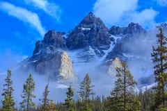 Βουνά του Canadian Rockies, Αλμπέρτα, Καναδάς στοκ εικόνα