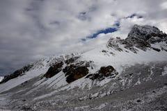 Βουνά χιονιού τραβήγματος Zhuoda Στοκ φωτογραφίες με δικαίωμα ελεύθερης χρήσης
