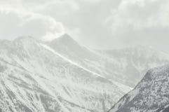 βουνά χιονοθύελλας Στοκ φωτογραφία με δικαίωμα ελεύθερης χρήσης