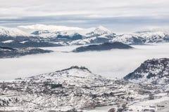 βουνά χιονώδη στοκ εικόνα με δικαίωμα ελεύθερης χρήσης