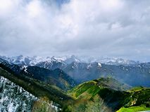 βουνά χιονώδη Στοκ Φωτογραφία