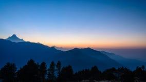 Βουνά Annapurna στην ανατολή Στοκ εικόνα με δικαίωμα ελεύθερης χρήσης