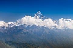Βουνά Machhapuchhre και Annapurna Στοκ φωτογραφία με δικαίωμα ελεύθερης χρήσης