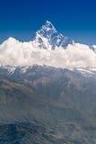 Βουνά Machhapuchhre και Annapurna Στοκ Εικόνα