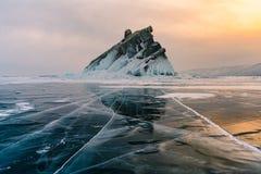 Βουνό βράχου Baikal Σιβηρία Ρωσία στη χειμερινή εποχή στοκ φωτογραφία με δικαίωμα ελεύθερης χρήσης
