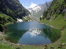 βουνό Ελβετία λιμνών Στοκ φωτογραφίες με δικαίωμα ελεύθερης χρήσης