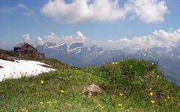 βουνό Ελβετός καλυβών Στοκ φωτογραφία με δικαίωμα ελεύθερης χρήσης