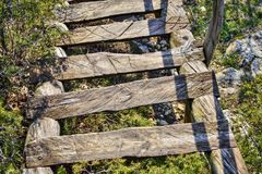Βουνό-κάθοδος σκαλοπατιών από το μοναστήρι στοκ φωτογραφίες