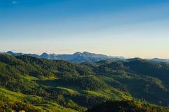 Βουνό και δάσος Στοκ φωτογραφία με δικαίωμα ελεύθερης χρήσης
