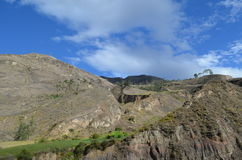 Βουνό και μπλε ουρανός στον Ισημερινό, Riobamba, Στοκ Εικόνες