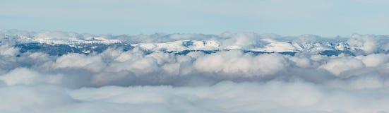 Βουνό και ομίχλη Jura Στοκ Εικόνα
