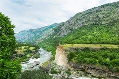 Βουνό και πράσινο τοπίο του Μαυροβουνίου Στοκ εικόνες με δικαίωμα ελεύθερης χρήσης