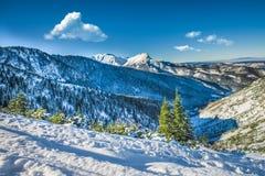 Βουνό μέγιστο Giewont από μεταξύ defile hillocks, mounta Tatra Στοκ φωτογραφία με δικαίωμα ελεύθερης χρήσης
