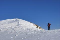 βουνό ορειβατών χιονώδε&sigma Στοκ φωτογραφία με δικαίωμα ελεύθερης χρήσης