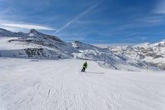 Βουνό που κάνει σκι - Ιταλία, Valle δ ` Aosta, Cervinia Στοκ φωτογραφία με δικαίωμα ελεύθερης χρήσης