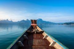 Βουνό σε Khao-khao-sok Suratthani, Ταϊλάνδη Στοκ Φωτογραφίες