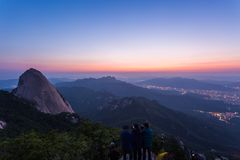 """Βουνό στην Κορέα στην ανατολή που βρίσκεται στο gyeonggido Σεούλ, Νότια Κορέα το όνομα του βουνού """"Bukhansan στοκ εικόνα"""
