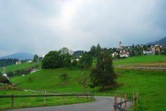βουνό στον πόλης τρόπο στοκ εικόνα