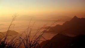 Βουνό στο βόρειο τμήμα της Ταϊλάνδης Στοκ Φωτογραφία