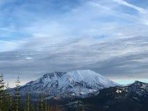 Βουνό στο χιόνι στοκ φωτογραφία με δικαίωμα ελεύθερης χρήσης