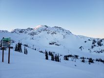 Βουνό συριστήρων στη ημέρα των Χριστουγέννων στοκ εικόνες