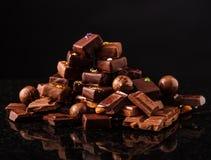 Βουνό της σοκολάτας και των σοκολατών candys Στοκ Φωτογραφίες