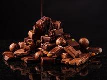 Βουνό της σοκολάτας και των σοκολατών candys Στοκ Εικόνες