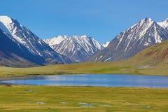 βουνό τοπίων λιμνών της Κριμαίας ayu dag Στοκ εικόνες με δικαίωμα ελεύθερης χρήσης