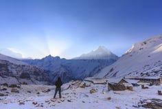 Βουνό του Ιμαλαίαυ Machapuchare με την ανατολή, στο στρατόπεδο βάσεων Annapurna, Νεπάλ Στοκ εικόνες με δικαίωμα ελεύθερης χρήσης