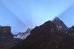 Βουνό του Ιμαλαίαυ Machapuchare με την ανατολή, Annapurna basecamp, Νεπάλ Στοκ Φωτογραφίες