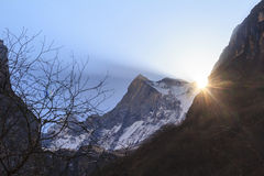 Βουνό του Ιμαλαίαυ Machapuchare με την ανατολή, Annapurna basecamp, Νεπάλ Στοκ Εικόνες