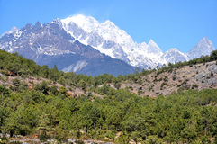 Βουνό χιονιού δράκων νεφριτών στοκ εικόνες