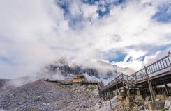 Βουνό χιονιού δράκων νεφριτών Στοκ Φωτογραφίες