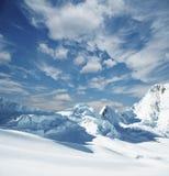 βουνό χιονισμένο Στοκ Φωτογραφίες