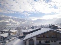 βουνό χιονώδες στοκ εικόνα με δικαίωμα ελεύθερης χρήσης