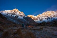 Βουνό Annapurna από το στρατόπεδο βάσεων Annapurna, Νεπάλ Στοκ Φωτογραφία