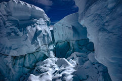 Βουνό Crevasse Στοκ εικόνα με δικαίωμα ελεύθερης χρήσης